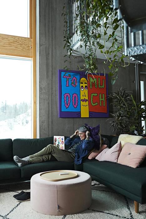 Natalia asuu loft-asunnossa Helsingin Kruunuvuorenrannassa.