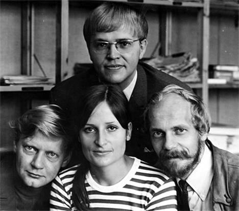 Eva Polttila aloitti uransa Uudenmaan alueuutisissa syyskuussa 1969. Kuvassa Pentti Paavilainen (vas.), Eva, Esko Riihelä ja Matti Oksanen.