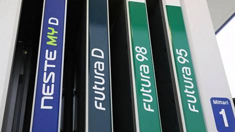 Nesteen sataprosenttisesti jätteistä valmistettu My-diesel on litrahinnaltaan selvästi kalliimpaa kuin vastaava fossiilinen vaihtoehto.