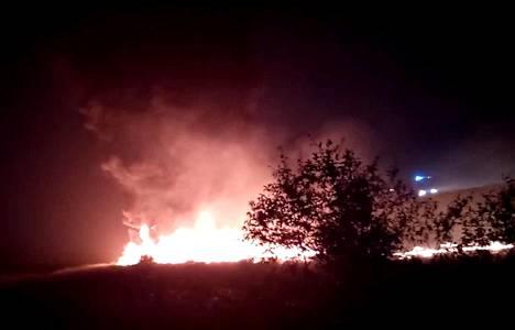 Utairin Boeing 737-800 -kone syttyi tuleen.