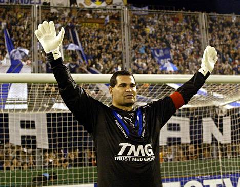 Jose Luis Chilavert jäähyväisottelussaan Argentiinan Buenos Airesissa vuonna 2004.