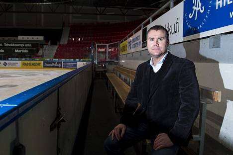 Miika Elomo on Tuton päävalmentaja.