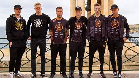 ENCEn Counter-Strike-joukkue kuvattuna joulukuussa 2019.