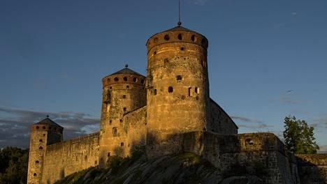 Olavinlinna on rakennettu 1400-luvulla.