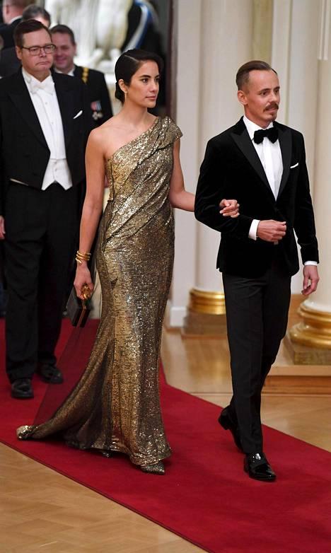 Alexandra Escatin glamouria tihkuva tyyli oli illan muotiasiantuntija Juri Silvennoisen mielestä illan onnistunein.