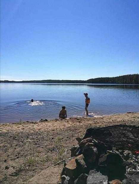 Kimmo Raitakiven lempiranta löytyy Tervosta. Manginniemi on koko perheen suosikkiuintipaikka.