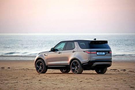 Land Rover uskoo, että enemmistö ostajista valitsee Discoverynsa R-Dynamic -paketilla varustettuna.