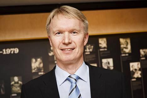 Tapio Korjus sanoo, että Tero Pitkämäki tarvitsee apuja muilta päästäkseen mitaleille.
