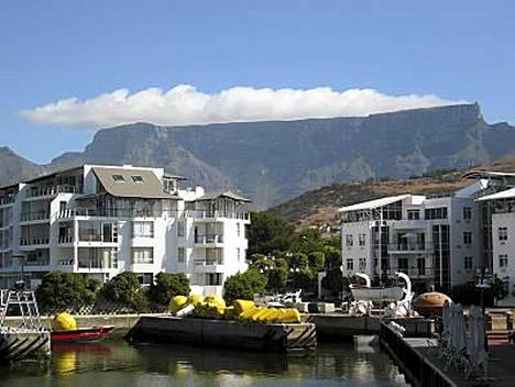 Pöytävuoren päällä on juuri usvapilvi, pöytäliina. MM-kisanäyttämö Kapkaupunki on hurmaava paikka.