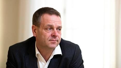 Helsingin pormestari Jan Vapaavuori vaatii, että kokoomus tekee selkeän pesäeron perussuomalaisiin.