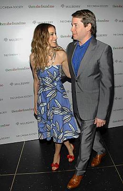 Muoti-ikoni Sarah Jessica Parkerin nimikkovaatemalliston mekko maksaa 6 euroa.
