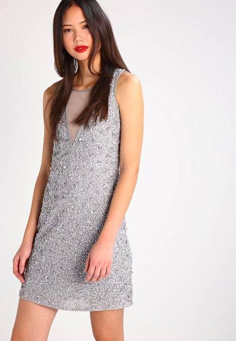 11. Lace & Beads / Zalando 124,95 €.