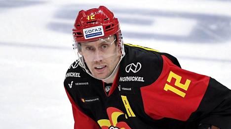 Marko Anttila iski kahdessa peräkkäisessä KHL-ottelussa kaksi voittomaalia Jokereille. Nyt hän pääsee keskittymään perjantaisiin Linnan juhliin.