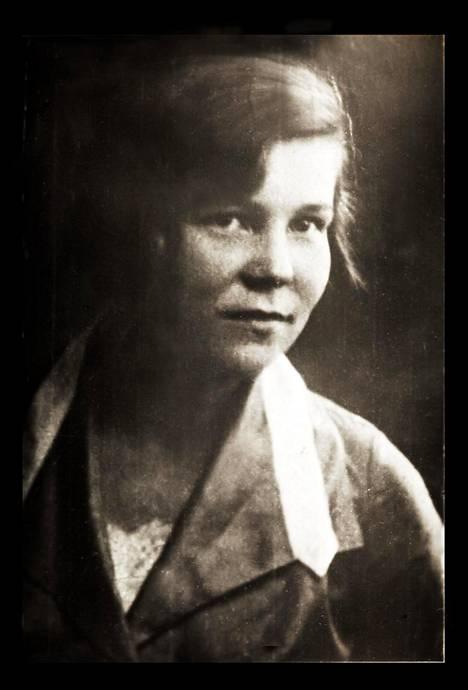 """Tyyne Mantere kertoi kirjeessään näin: """"Säälimättä, raa'asti oli teloitettu parhaat suomalaiset kanta-asukkaat, Muurmannin luojat, sen säilyttäjät, rakentajat."""""""