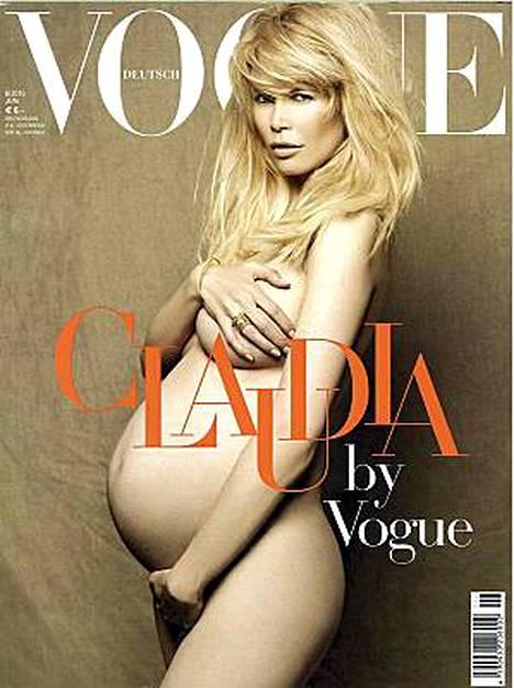 Claudia Schiffer ei häpeile kroppaansa.