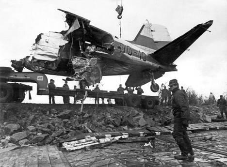 Rissalan lento-onnettomuudessa kuoli 15 ihmistä 1978. Mukana oli politiikan ja talouselämän vaikuttajia. Myös Tarja Halosen piti olla mukana lennolla, mutta lääkäri oli kieltänyt osallistumisen Halosen raskauden vuoksi. Tämä päätös pelasti Tarja Halosen ja hänen odottamansa tyttären hengen.