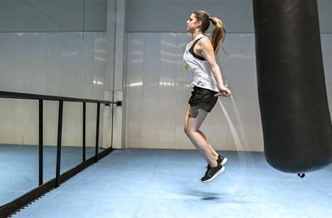 Hyppynaru sopii erinomaisesti hikiseen HIIT-treeniin.