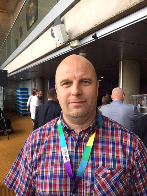 Jari-Matti Välkkysen mukaan Li Anderssonin puheenjohtajuus on herättänyt myös ennakkoluuloja.
