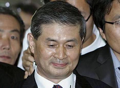 Hwang Woo Suk ei saanut jatkaa kantasolututkimuksiaan.