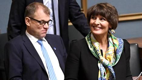 """Pääministeri Sipilä kieltäytyi kertomasta, milloin kuuli Bernerin päätöksestä: """"Minua ei kiinnosta se asia"""""""