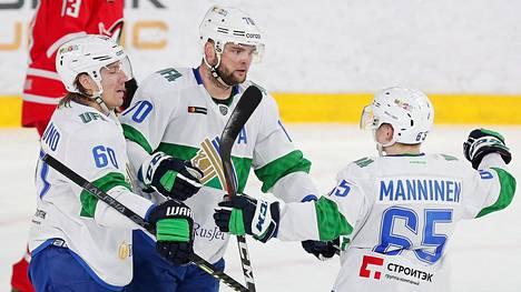 Salavat Julajev Ufan ykkösketju Markus Granlund (vas.), Teemu Hartikainen ja Sakari Manninen oli KHL:n runkosarjassa huikea: yhteensä 169 tehopistettä, ja joka mies pistepörssissä 9:n parhaan joukossa.