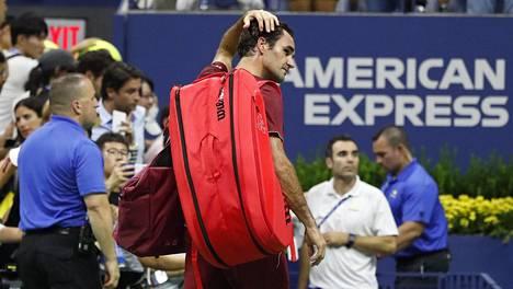 Federerin turnaukselle karu loppu Yhdysvaltain avoimissa