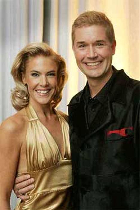 Ella Kannisen ja Marco Bjurströmin juontama Tanssii tähtien kanssa on yleisösuosikki.