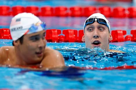 Yhdysvaltain mitalitili aukesi 400 metrin sekauinnissa Chase Kalitzin (oik.) ja Jay Litherlandin kaksoisvoiton myötä.