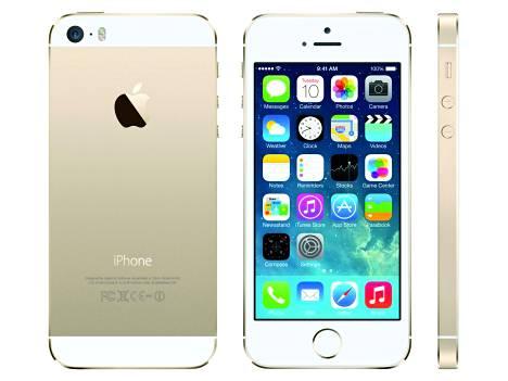 Näitä maailma haluaa. Apple on kasvattanut iPhone 5S:n tehdastilauksia.