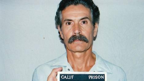 Sarjamurhaaja Rodney Alcala kuvattuna Kalifornian vankilassa 1993.