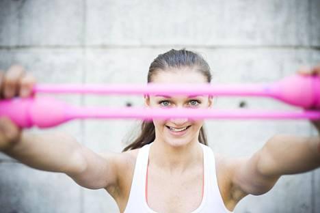 Jekaterina Volkova kuuluu rytmisen voimistelun nuoriin lupauksiin.