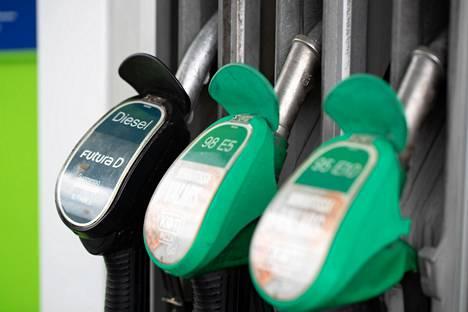 Suomella on kunnianhimoinen tavoite liikenteen biopolttoaineiden osuudessa.