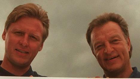 Ilkka Sinisalo ja Pekka Rautakallio yhdessä Espoo Bluesin lanseeraustilaisuudessa elokuussa 1998.