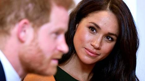 Herttuatar Meghanin ja prinssi Harryn työntekijöiden riveissä on käynyt kato.