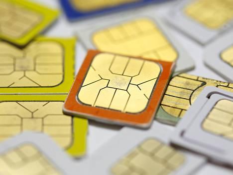 Sim-kortit ovat kutistuneet yhä pienemmiksi. Lähitulevaisuudessa ne katoavat fyysisinä kortteina.