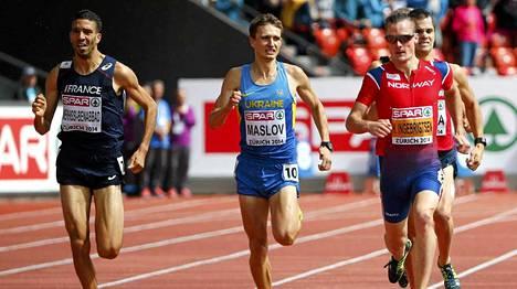 Mahiedine Mekhissi-Benabbad (vas.) ja Henrik Ingebrigtsen (oik.) juoksivat samassa alkuerässä 1500 metrillä.