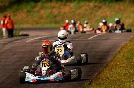Kartingin SM-kilpailut Vihdissä. Kimi numerolla 104 matkalla mestaruuteen. 19. heinäkuuta 1998.