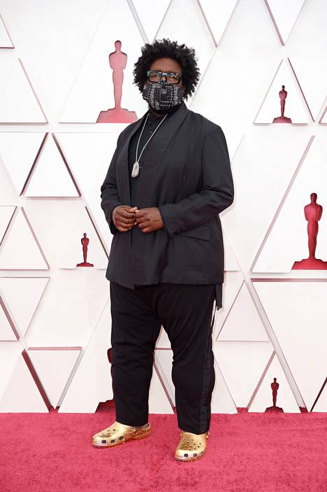 Artisti Questlove saapui huhtikuussa Oscareiden punaiselle matolle rokaten kultaisia Crocseja.