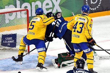 Suomi ja Ruotsi kohtasivat Helsingissä järjestetyssä Karjala-turnauksessa sunnuntaina.