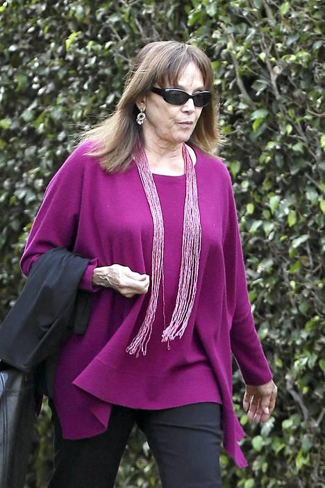 Valerie Harper kuvattiin eilen lähdössä kotoaan Santa Monicasta.