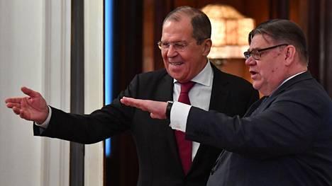 Venäjän ulkoministeri Sergei Lavrov (vas.) ja Suomen ulkoministeri Timo Soini tapasivat tänään Moskovassa.