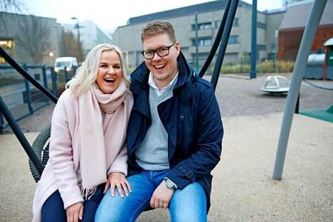 –En ole koskaan kuullut yhdenkään miehen sanovan: harmi, että olin liikaa kotona, kun lapset olivat pieniä, Antti Lindtman naurahtaa.