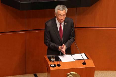 Singaporen pääministerin Lee Hsien Loongin palkkapussi pullottaa.