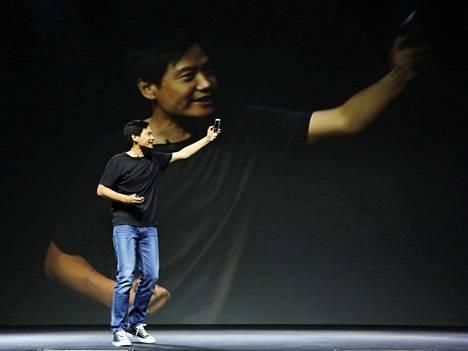 Xiaomin perustaja ja toimitusjohtaja Lei Jun esitteli yhtiön uutta kännykkämallia viime viikolla.