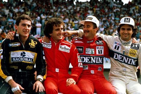 Ollaan kaikki kavereita! Kuva vuodelta 1986, kun kukaan ei ollut vielä suututtanut ketään muuta. Ayrton Senna (vas.) ajoi tuolloin vielä Lotuksella, Prost (toinen oikealta) McLarenilla. Prostin vieressä istuva Mansell oli tuolloin ensimmäisellä Williamsin keikallaan ennen siirtymistä Ferrarille. Oikealla kolminkertainen maailmanmestari Nelson Piquet, joka ei hänkään vierastanut keskinäistä nokkapokkaa.