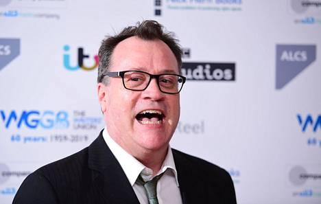 Russell T. Davies tunnetaan muun muassa tv-sarjoista Älä kerro äidille ja Perienglantilainen skandaali.