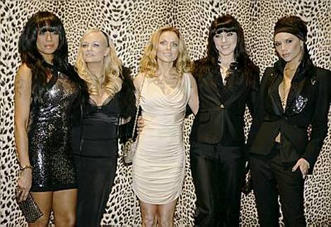 Tällä kertaa Spice Girlsin hajottivat Mel B (vas.) ja Mel C (toinen oik.).