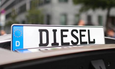 Uusien dieselmoottorilla varustettujen autojen kauppa on Suomessa vähentynyt viidessä vuodessa liki 40 000 kappaleesta lähes puoleen.