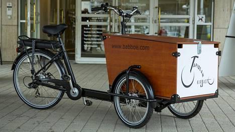 Suurimmat Hollannissa käytettävät tavarapyörät ovat jo selvästi isompia kuin kuvan perinteisen mallinen laatikkopyörä.