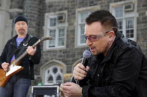 Bono ei päässyt heti ykköseksi Suomessa.